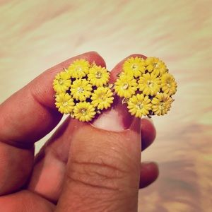 Vintage Yellow & Gold Tone Floral ClipOn Earrings